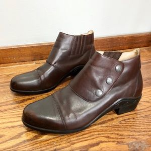 ARIAT chocolate brown leather snap booties